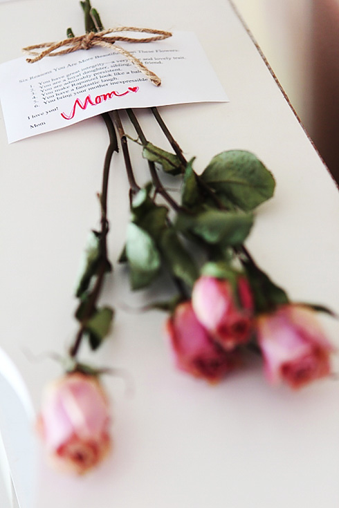 Love note from mom with Mom in focus