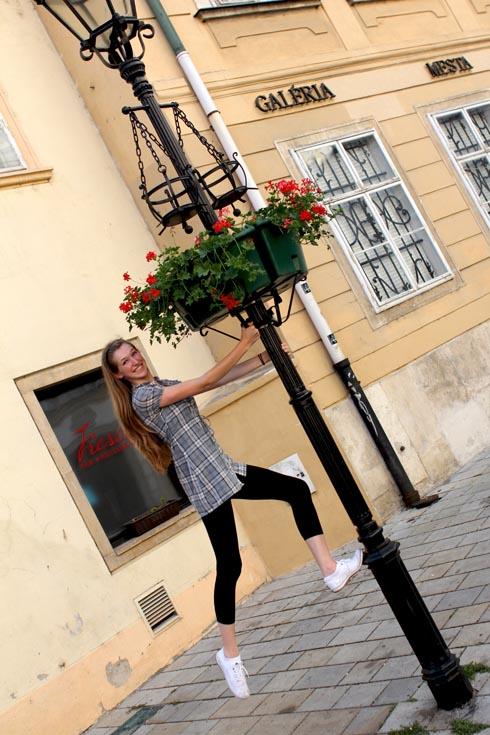Bratislava - Tessa on lamp post 2